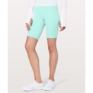 """Lululemon Size 6 On Pace 10"""" Hi Rise Active Shorts"""